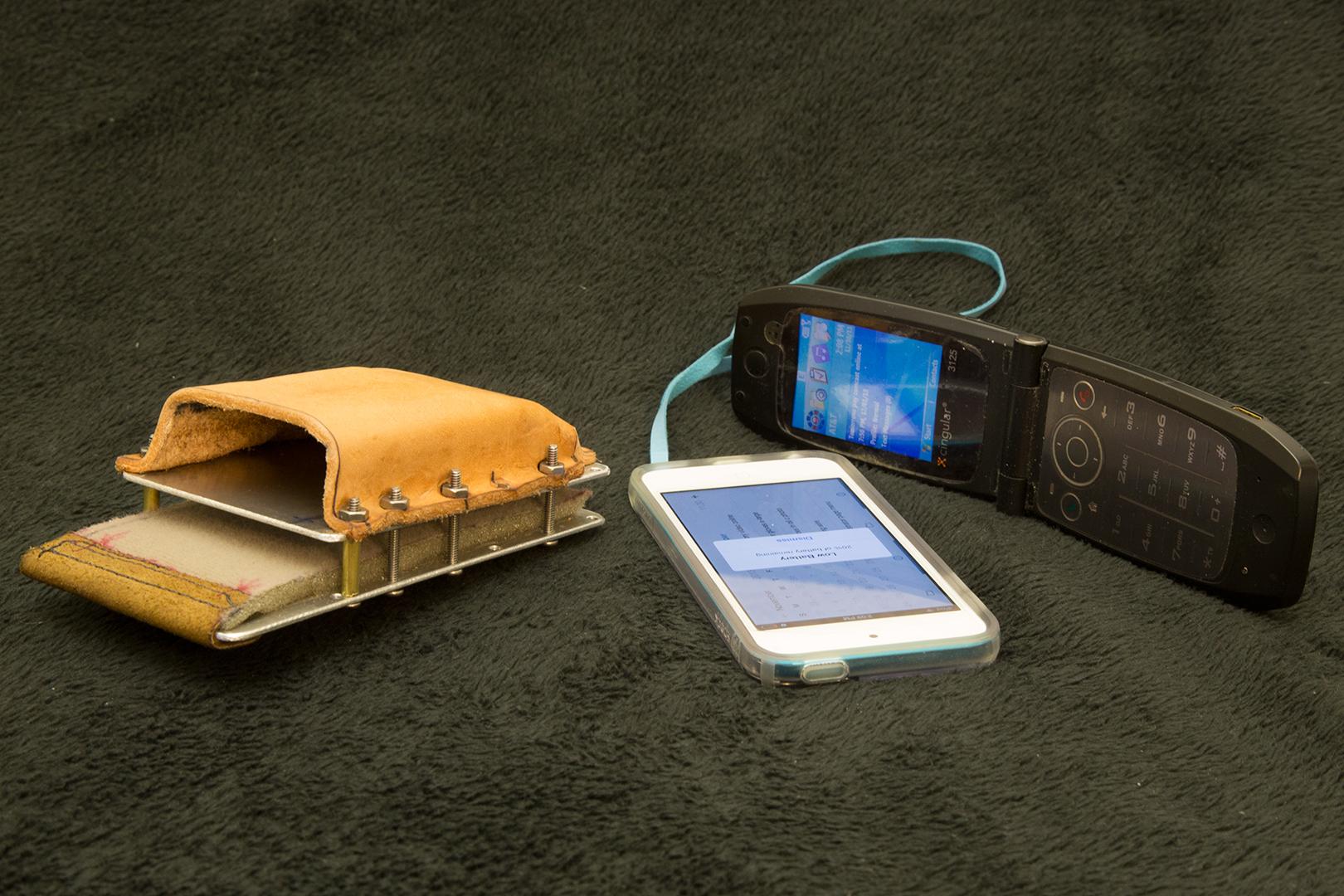sale retailer 30d9a d8299 Handmade dumbphone and wifi phone case tutorial