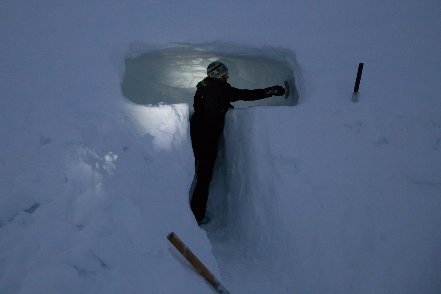 Sue digging the snow cave